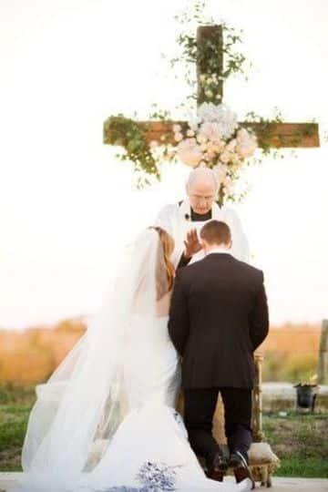 como es una boda cristiana intima