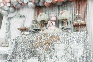 Adornos con globos para fiestas elegantes y femeninas