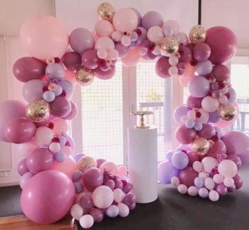 arreglos con globos para 15 años en salon