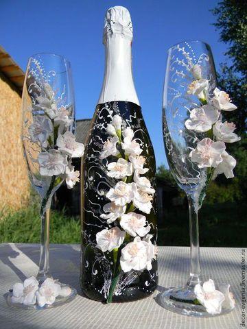 decoracion de botellas para boda con flores