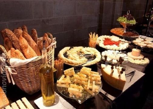decoracion de mesas de quesos para bodas