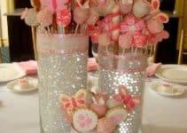 Preciosos adornos de mesa para cumpleaños en tonos rosados
