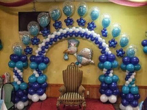 como hacer un arco de globos para baby shower