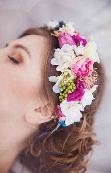 coronas de flores para el cabello para novias