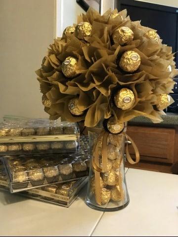 centros de mesa con bombones de chocolate