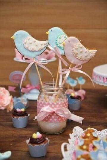 centros de mesa con galletas para cumpleaños
