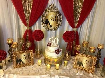 decoracion de fiesta en rojo y dorado para cumpleaños