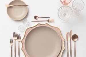 5 elementos para saber como poner una mesa elegante