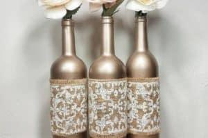 Originales arreglos con botellas de vino 15 años y bodas