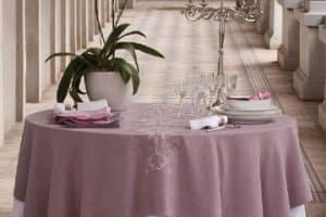 Diseños de manteles para mesa redonda en 15 años o bodas