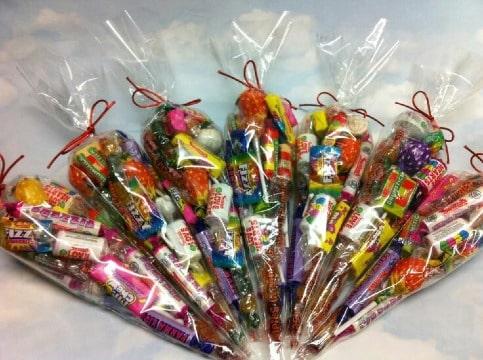bolsitas de dulces para niños en cumpleaños