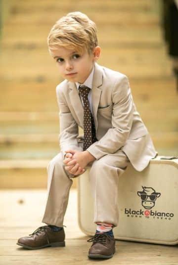 clasicos ternos de bautizo para niños