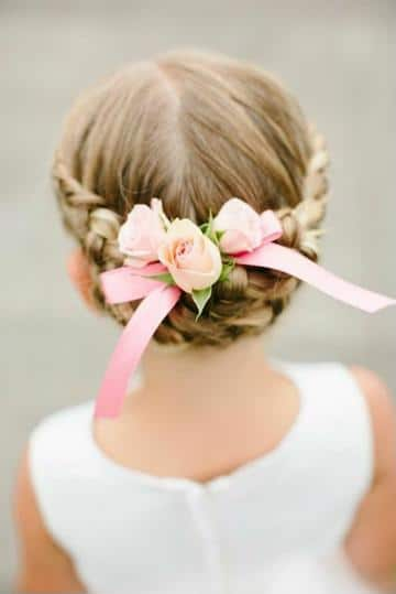 peinados con flores para niñas recogido
