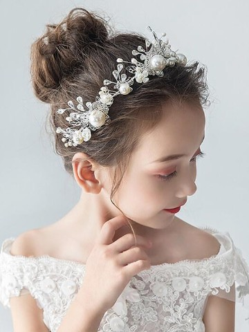 peinados con tiara para niñas pequeñas
