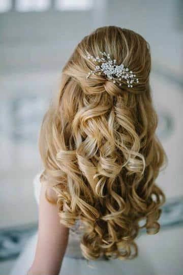 peinados de comunion para niñas semirecogido