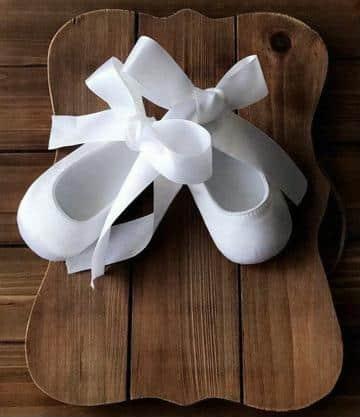 zapatos de bautizo para niña de moda
