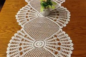 Inspirate con estos caminos de mesa tejidos a crochet