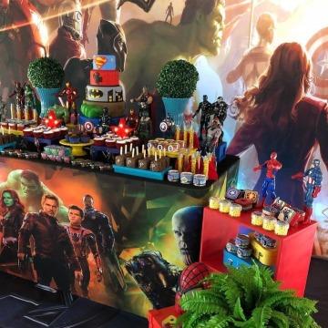 decoracion de avengers para  cumpleaños de niño