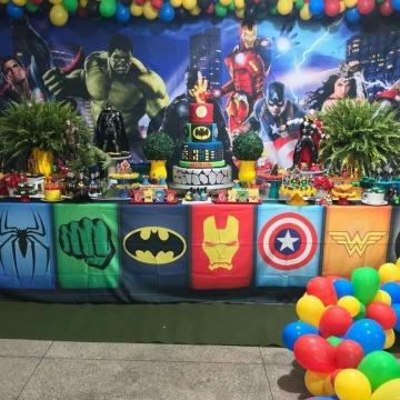 originales decoracion de avengers para cumpleaños