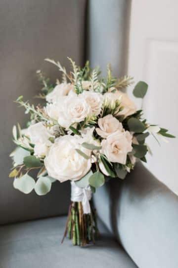 bouquet de novia pequeños y tradicionales