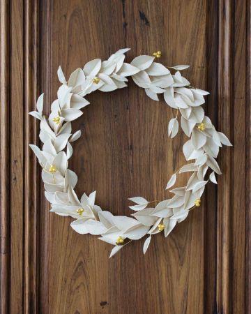 flores de navidad en papel blanco