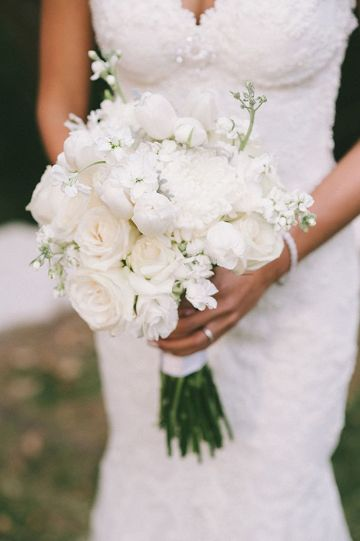 ramos de novia flores blancas pequeñas