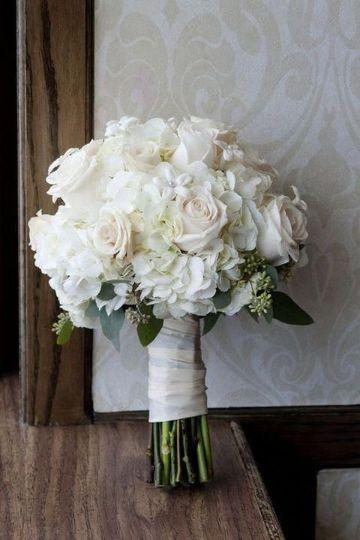 ramos de novia flores blancas sencillo
