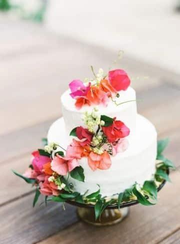 tortas con flores naturales para 15 años