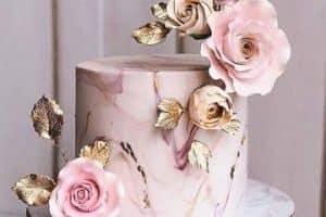 4 hermosas ideas de tortas de flores para cumpleaños