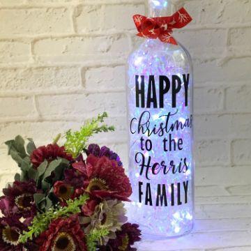 adornos navideños con botellas de vino