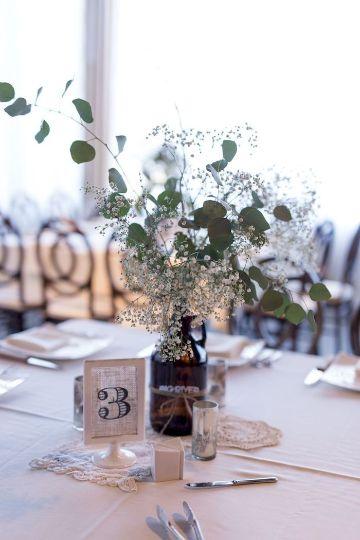 centro de mesas con eucalipto para bodas