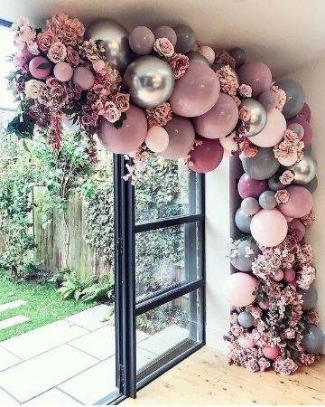 arreglos de globos para cumpleaños con flores
