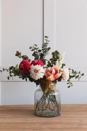 decoracion con flores naturales hechas a mano