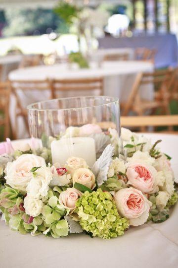 decoracion con telas y flores para centro de mesa