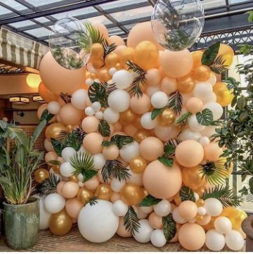 decoracion de 15 años con globos y flores
