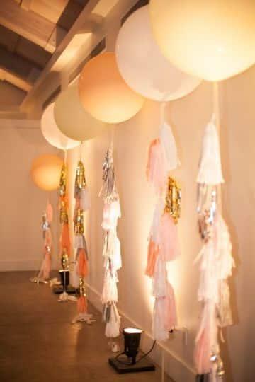 decoracion de 15 años con globos y tela