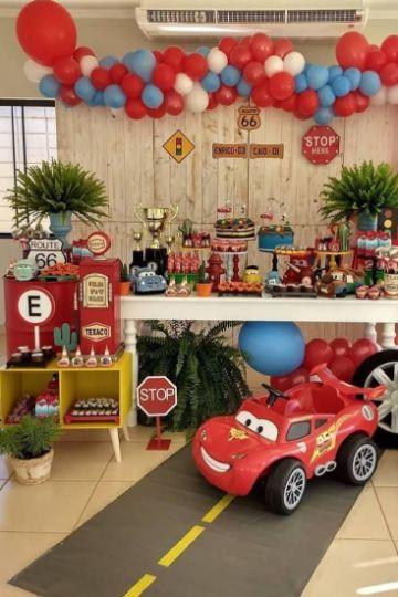 decoracion de cumpleaños de cars para niño
