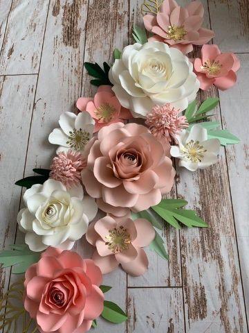 decoracion fiesta con flores de papel para esquinas