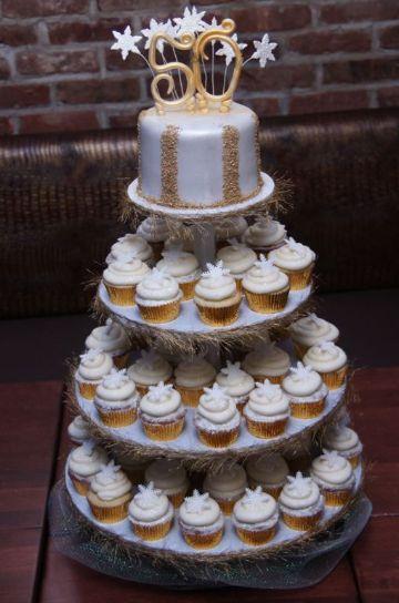 fiesta tematica de 50 años para mujer pastel