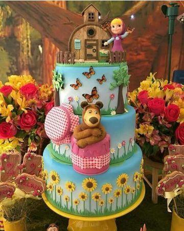 pastel de cumpleaños con tematica de masha y el oso
