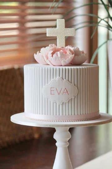 tortas de primera comunion para niña sencilla