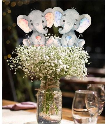 como decorar la mesa de baby shower con flores