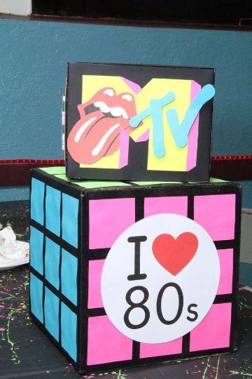 decoracion de fiesta tematica de los 80