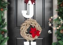 Te mostramos como hacer decoraciones navideñas para puertas