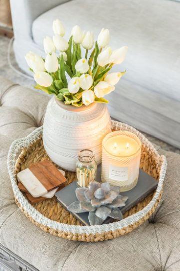 como decorar una mesita de centro con cestas