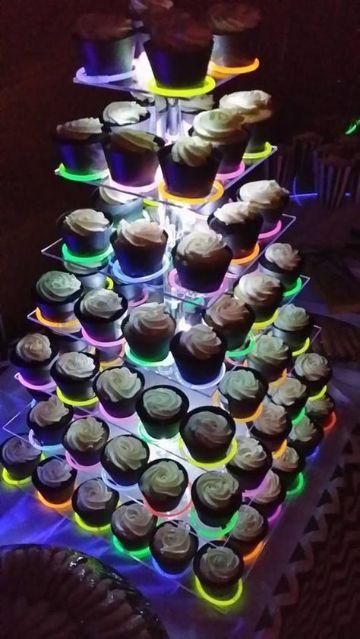 dulces de una fiestas de neon 15 años