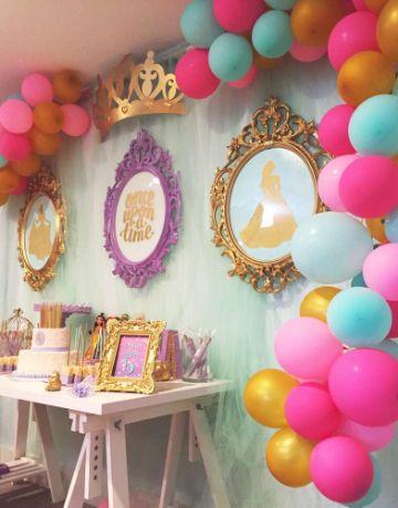 fiesta con decoracion de las princesas disney