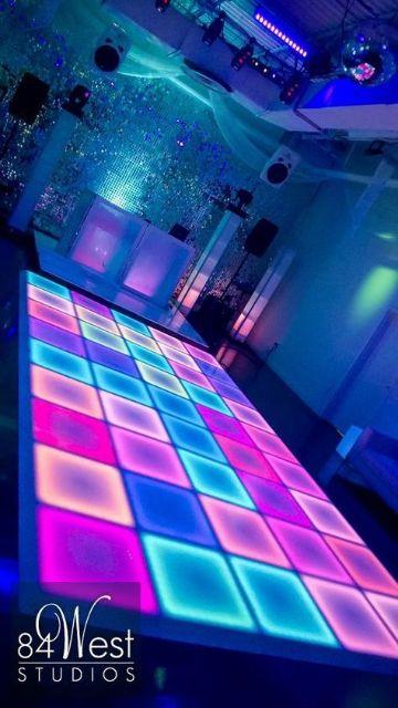 ideas para fiestas de neon 15 años