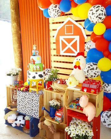 mesa de dulces tematica de la granja de zenon