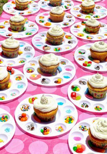 como decorar en una fiesta infantil con cupcakes